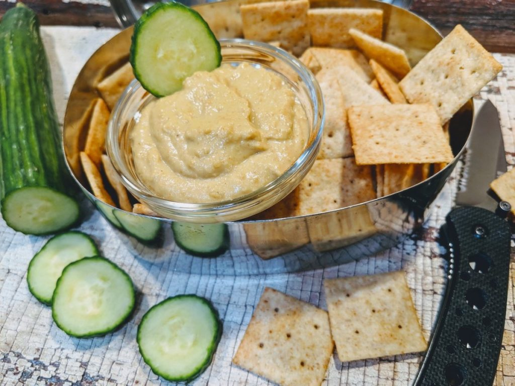 Spicy Garlic Cashew Dip for the Aprés Munchies
