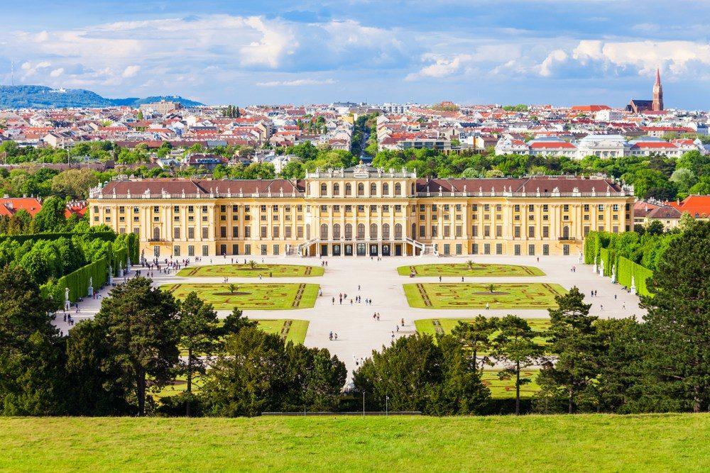 Schönbrunn Palace of Vienna, Austria | #MacroTraveller
