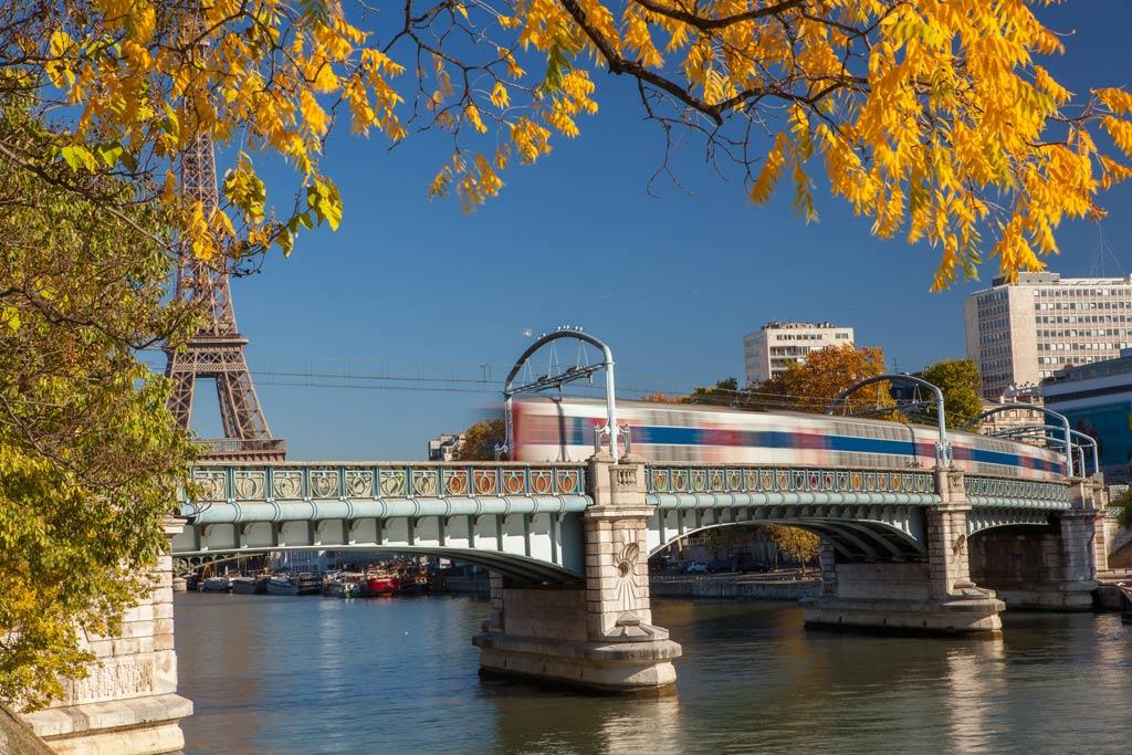 CDG-to-Paris-Train