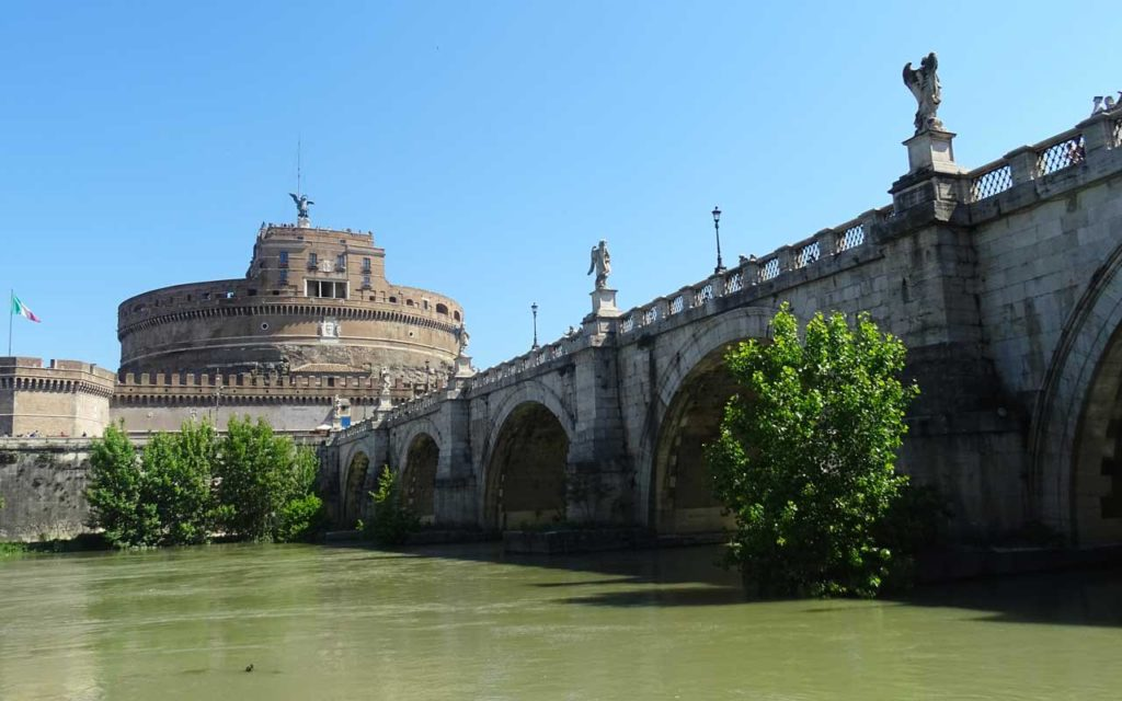 Castel Sant'Angelo and Stroll Throughout St Angelo bridge