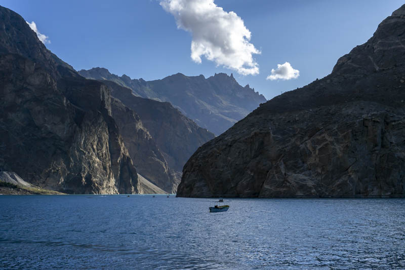 things to do in pakistan attabad lake