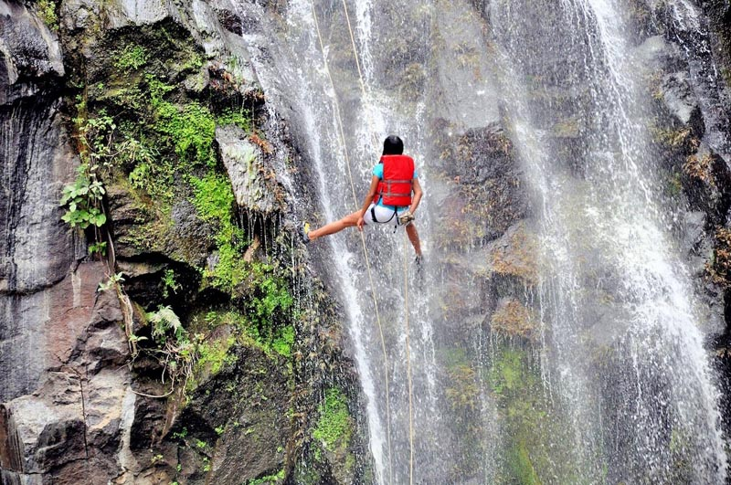 adventure things to in belaize | waterfalls