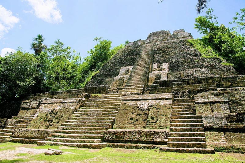 things to do in belize island hop to ruins