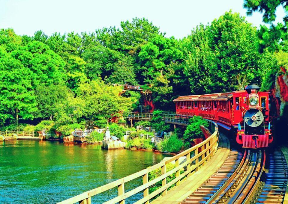 discovering tokyo disneyland