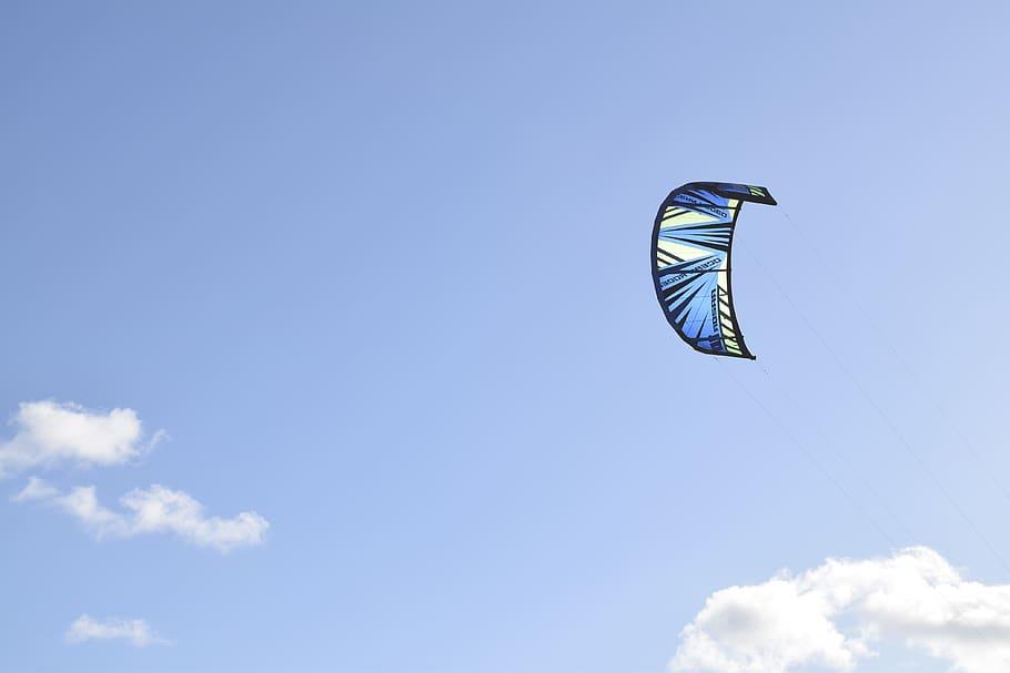 soar fly kite blue
