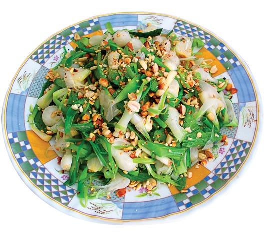 Ly Son garlic salad