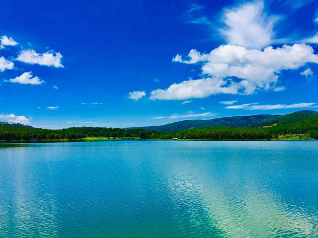 dalat-vietnam-lake