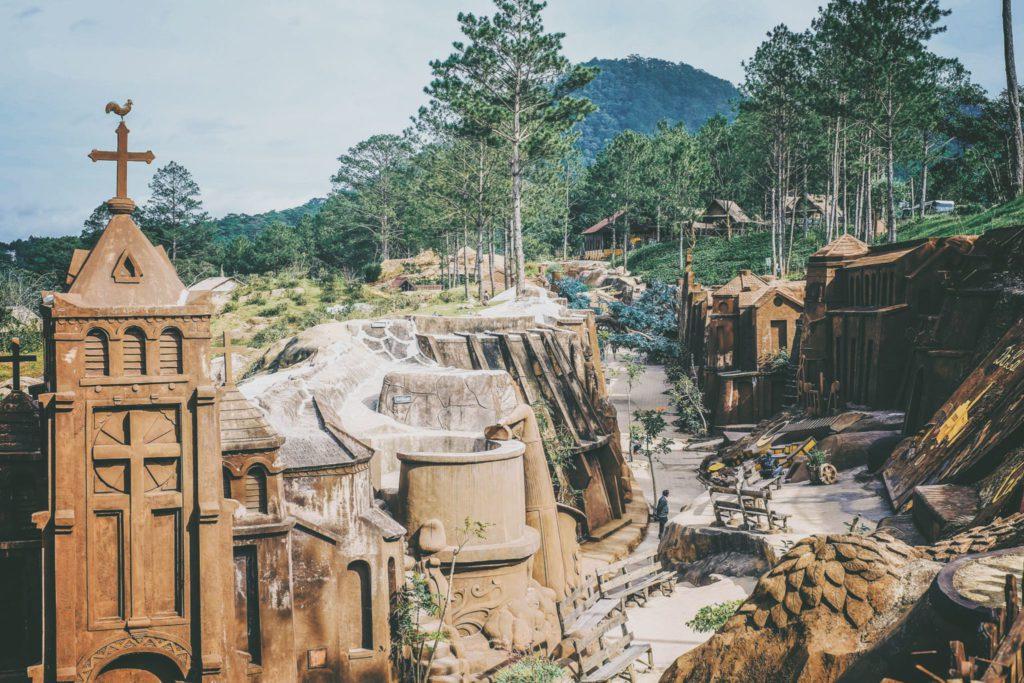 Dalat clay tunnel